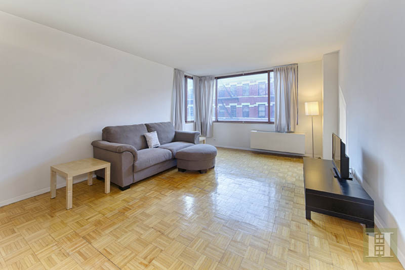 393 West 49th Street 4B, Midtown West, NYC, $875,000, Web #: 14057725