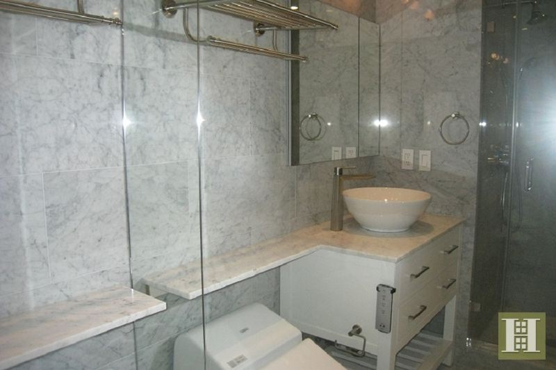200 East 61st Street 35F, Upper East Side, NYC, $5,200, Web #: 14235243