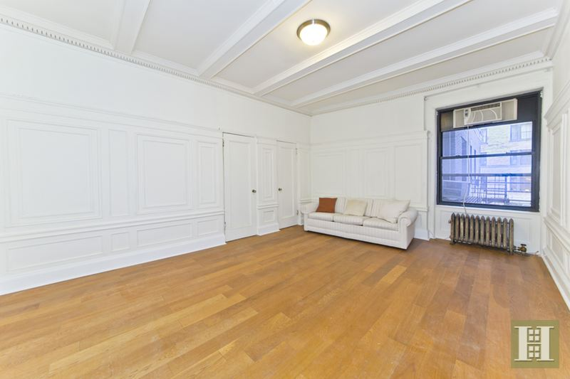 490 West End Avenue 2e, Upper West Side, NYC, 10024, $689,000, Sold Property, Halstead Real Estate, Photo 2