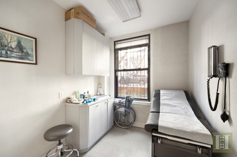 12 East 97th Street, Upper East Side, NYC, 10029, $995,000, Sold Property, Halstead Real Estate, Photo 3