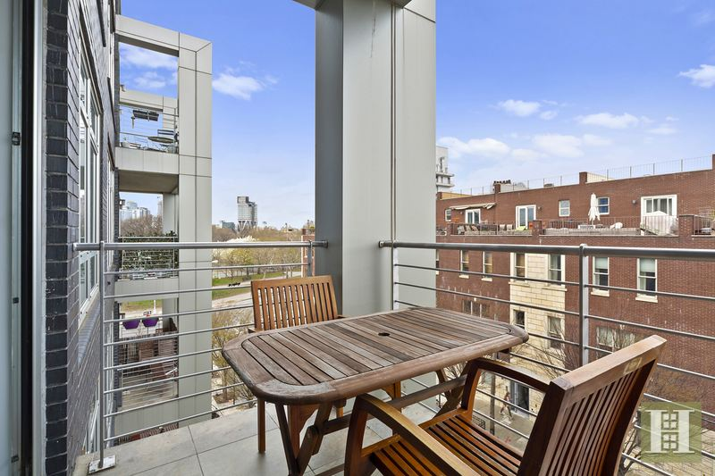 84 Engert Avenue 4b, Greenpoint, Brooklyn, NY, 11222, $1,100,000, Sold Property, Halstead Real Estate, Photo 2
