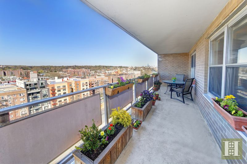 135 Ocean Parkway 15m, Kensington, Brooklyn, NY, 11218, $781,000, Sold Property, Halstead Real Estate, Photo 2