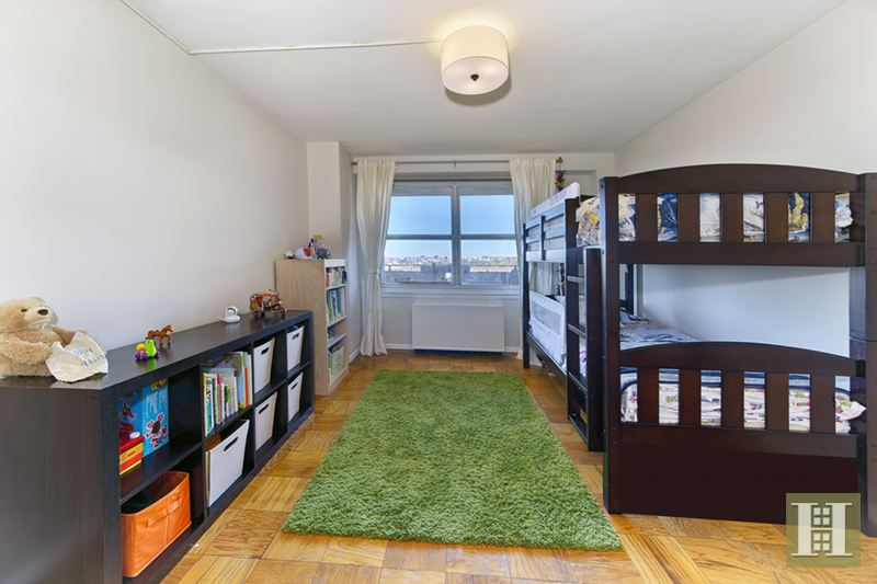 135 Ocean Parkway 15m, Kensington, Brooklyn, NY, 11218, $781,000, Sold Property, Halstead Real Estate, Photo 6