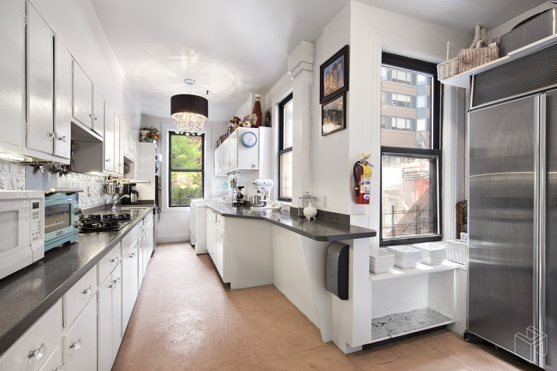 120 West 69th Street 2, Upper West Side, NYC, $9,250, Web #: 14678723
