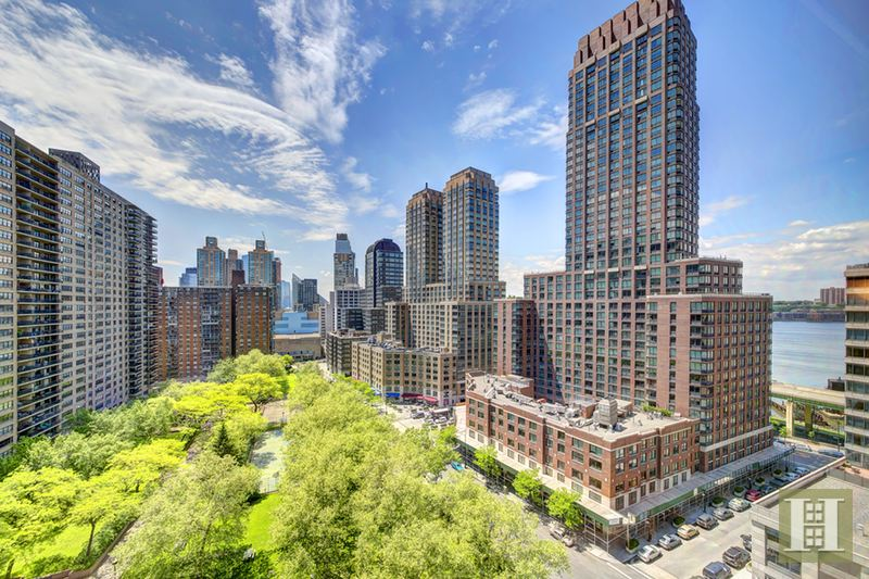 205 West End Avenue 15B, Upper West Side, NYC, $840,000, Web #: 14726831
