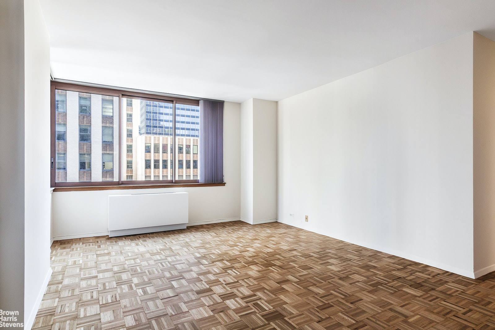235 East 40th Street 24D, Midtown East, NYC, $899,000, Web #: 14731682