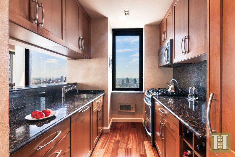 235 East 40th Street 40Gfurn, Midtown East, NYC, $4,800, Web #: 14742917