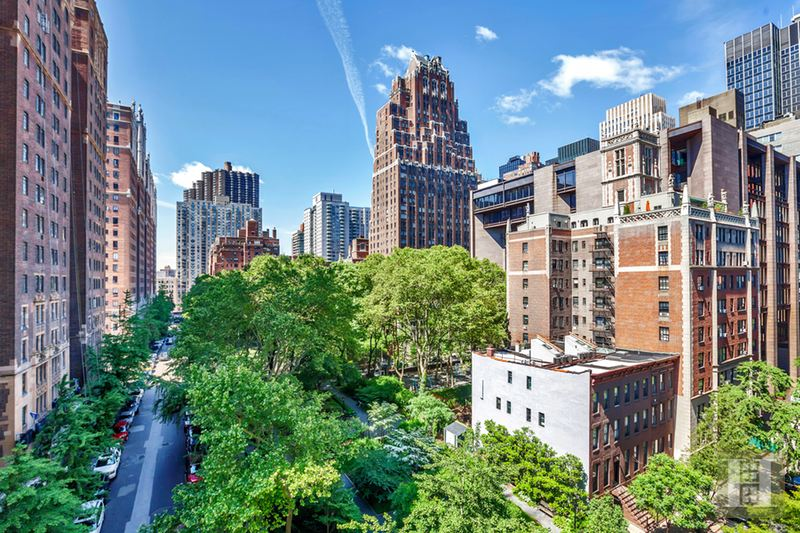 333 East 43rd Street 814, Midtown East, NYC, 10017, $525,000, Sold Property, ID# 14993147, Halstead