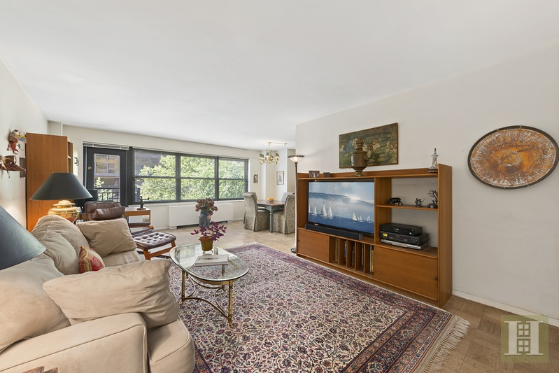 142 West End Avenue 3P, Upper West Side, NYC, $1,350,000, Web #: 15048739