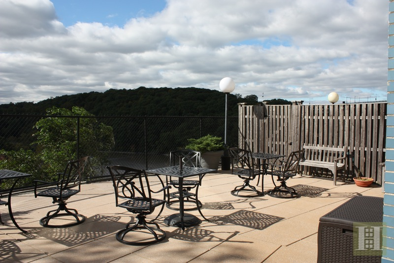 Sponsor Apt No Board APPROVAL-VIEWS, Riverdale, New York, 10463, $325,000, Sold Property, Halstead Real Estate, Photo 4