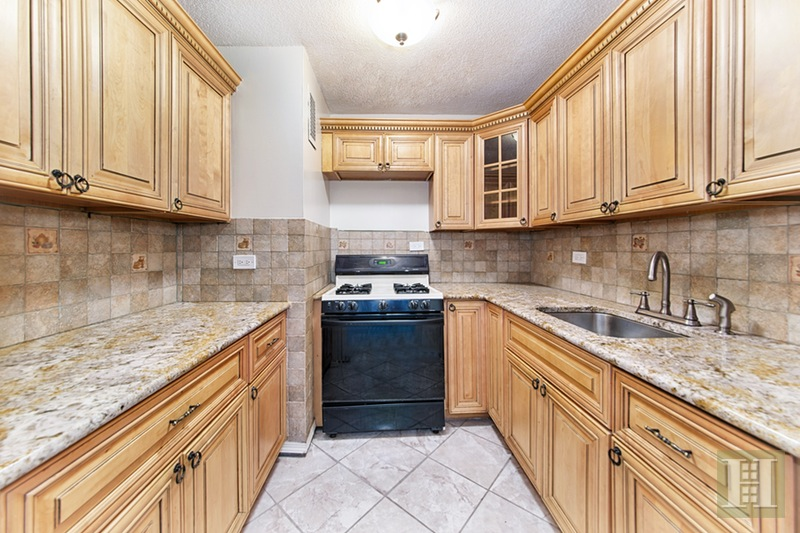 77 Fulton Street, Lower Manhattan, NYC, 10038, $750,000, Sold Property, Halstead Real Estate, Photo 3