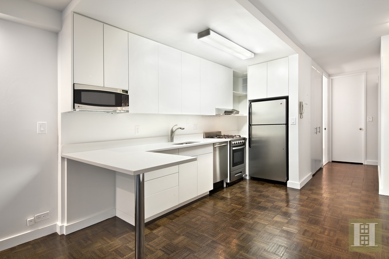 350 West 50th Street, Midtown West, NYC, $2,995, Web #: 15319956