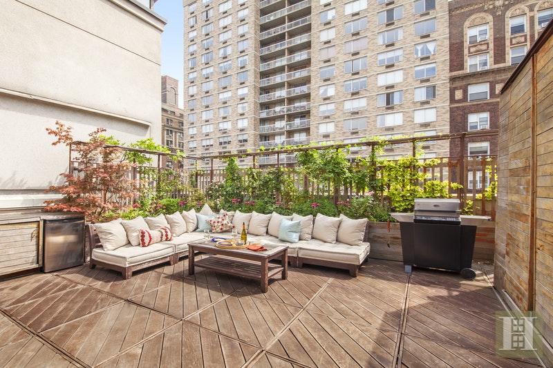 425 West End Avenue 7d, Upper West Side, NYC, 10024, $3,350,000, Sold Property, Halstead Real Estate, Photo 2