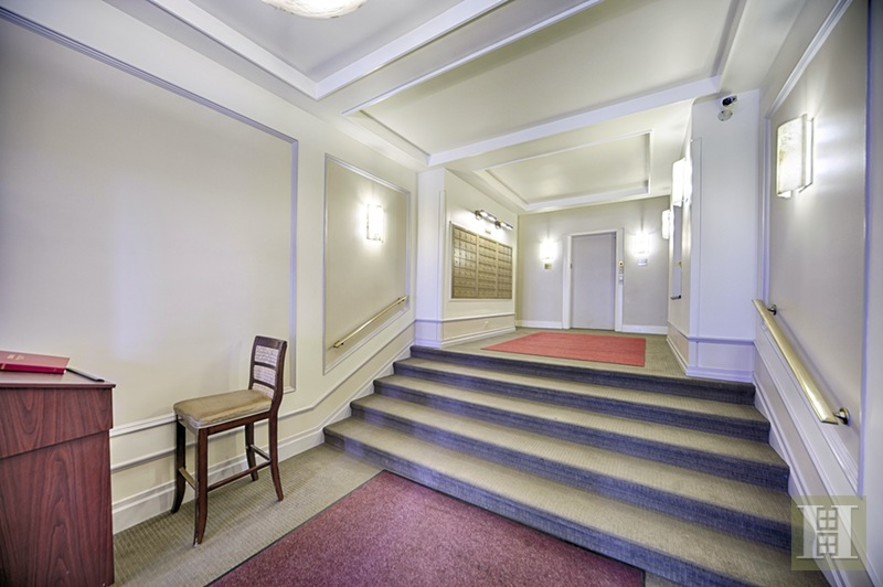 330 East 83rd Street Lk, Upper East Side, NYC, 10028, $319,000, Sold Property, Halstead Real Estate, Photo 5