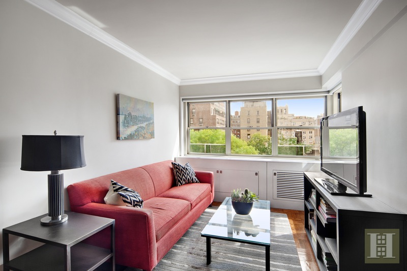 35 Park Avenue 8h, Midtown East, NYC, 10016, $675,000, Sold Property, Halstead Real Estate, Photo 1