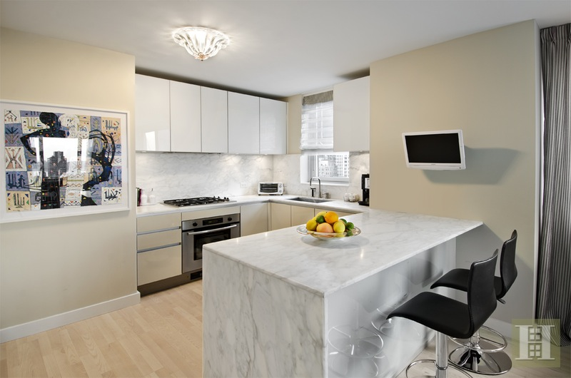 322 West 57th Street, Midtown West, NYC, $10,950, Web #: 15573939