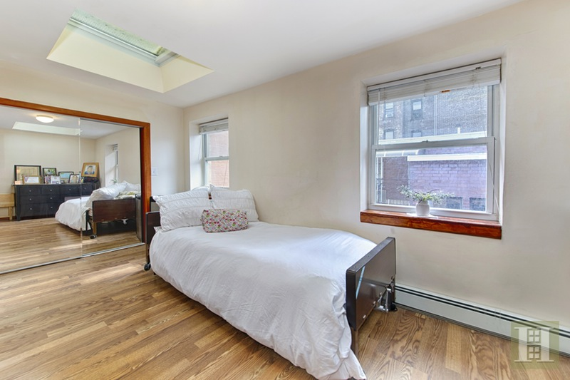 454 East New York Avenue, Crown Heights, Brooklyn, NY, 11225, $1,100,000, Sold Property, Halstead Real Estate, Photo 3