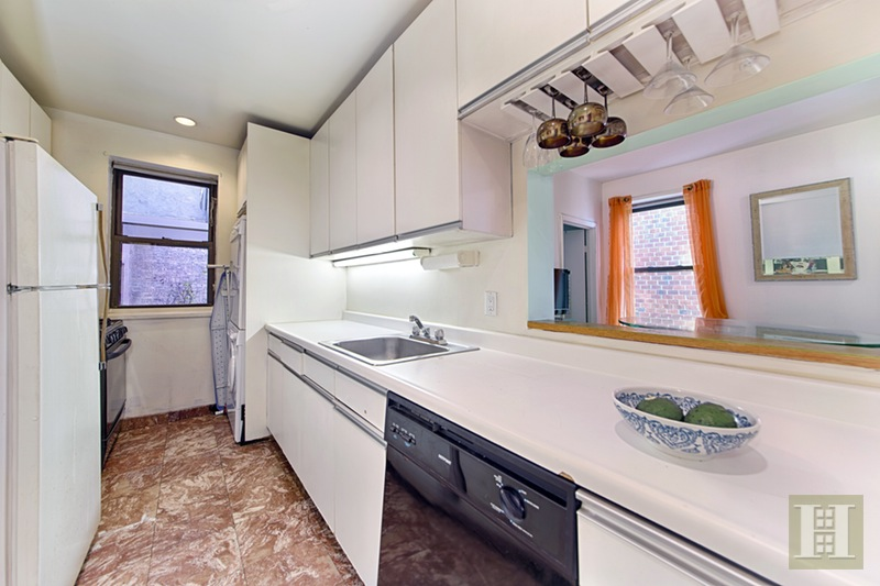 219 West 80th Street 6d, Upper West Side, NYC, 10024, $999,000, Sold Property, Halstead Real Estate, Photo 2