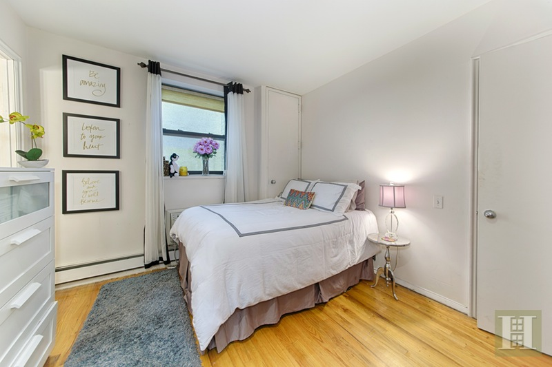 219 West 80th Street 6d, Upper West Side, NYC, 10024, $999,000, Sold Property, Halstead Real Estate, Photo 3