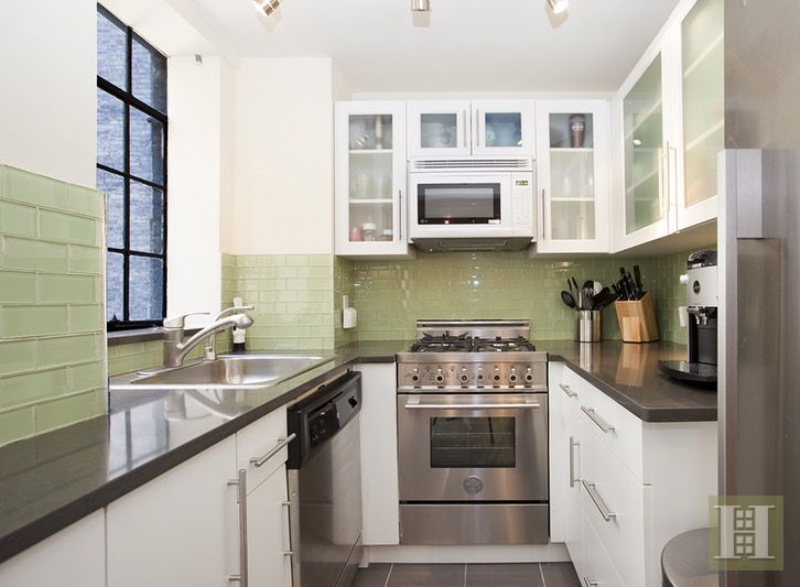 333 East 43rd Street 601, Midtown East, NYC, 10017, $699,000, Sold Property, Halstead Real Estate, Photo 2