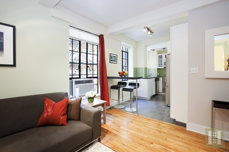 333 East 43rd Street 601, Midtown East, NYC, 10017, $699,000, Sold Property, Halstead Real Estate, Photo 3