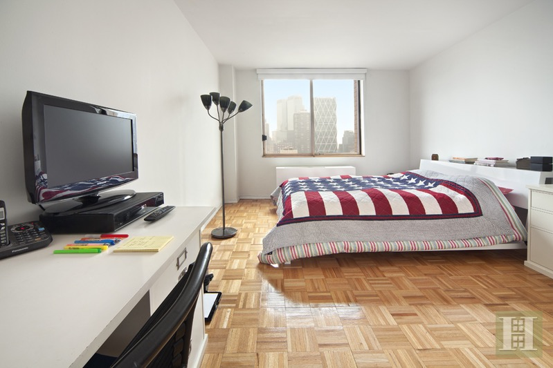 350 West 50th Street 27h, Midtown West, NYC, 10019, $3,600, Rented Property, Halstead Real Estate, Photo 2