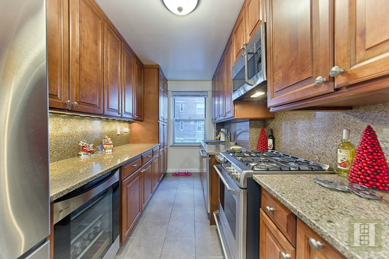 575 Grand Street, Lower East Side, NYC, 10002, $929,000, Sold Property, Halstead Real Estate, Photo 2