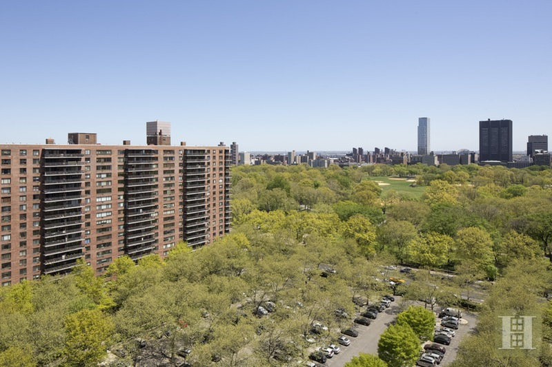 382 Central Park West, Upper West Side, NYC, $4,100, Web #: 15940327