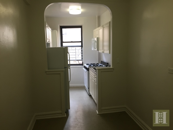 499 Fort Washington Aven, Upper Manhattan, NYC, $2,100, Web #: 16029026
