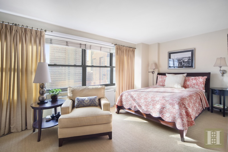 142 West End Avenue 11R, Upper West Side, NYC, $495,000, Web #: 16044306