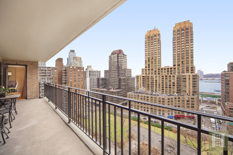 165 West End Avenue 15D, Upper West Side, NYC, $1,950,000, Web #: 16109160