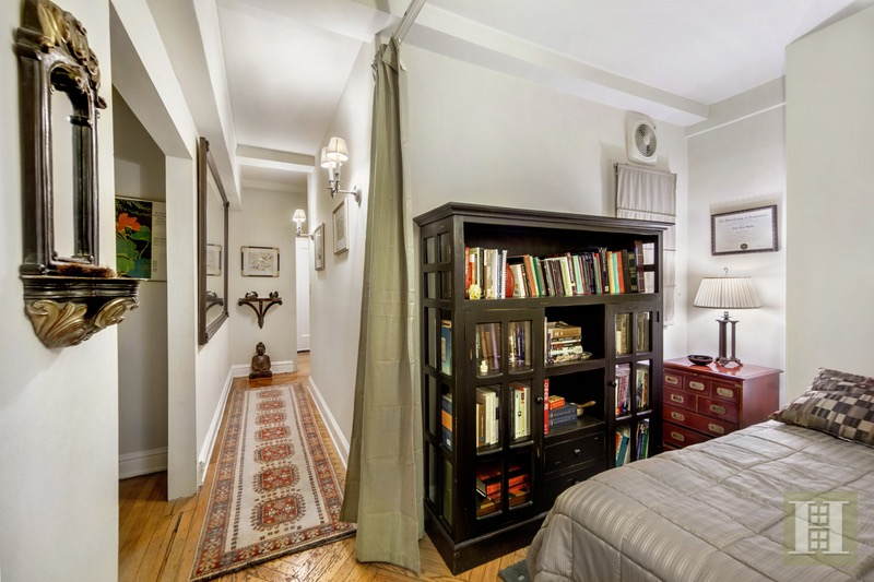 400 West End Avenue, Upper West Side, NYC, 10024, $585,000, Sold Property, Halstead Real Estate, Photo 3