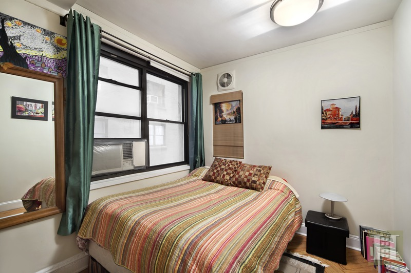 400 West End Avenue, Upper West Side, NYC, 10024, $695,000, Sold Property, Halstead Real Estate, Photo 4