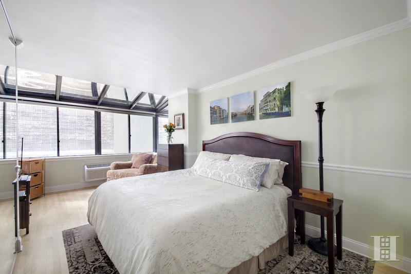 303 East 49th Street 5, Midtown East, NYC, 10022, $1,390,000, Sold Property, Halstead Real Estate, Photo 3