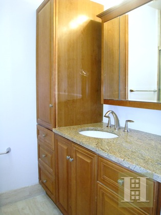 200 East 61st Street 32E, Upper East Side, NYC, $5,000, Web #: 16278622