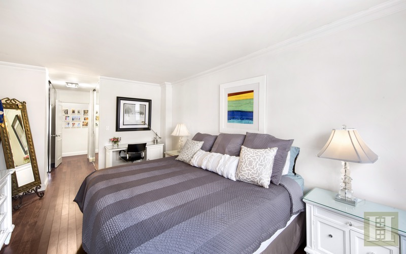 165 West 66th Street 3Z, Upper West Side, NYC, $785,000, Web #: 16397646