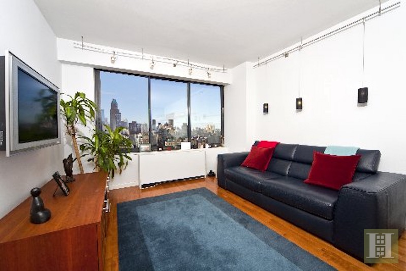 200 East 61st Street 23C, Upper East Side, NYC, $3,500, Web #: 16456066