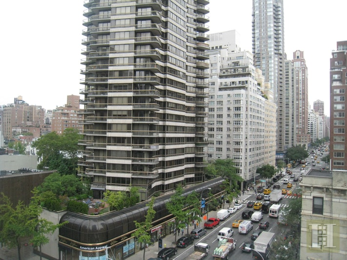 200 East 61st Street 8D, Upper East Side, NYC, $4,600, Web #: 16540443