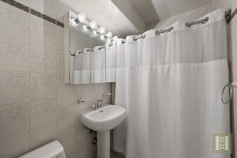 Bathroom Fixtures Upper East Side Nyc 440 east 62nd street 10g, upper east side, nyc, 10065, $668,000