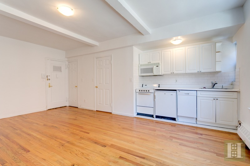 17 Park Avenue 403, Midtown East, NYC, $2,295, Web #: 16619112