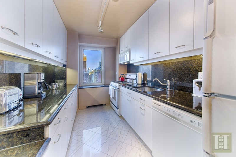 303 East 57th Street 16j, Midtown East, NYC, 10022, $695,000, Sold Property, Halstead Real Estate, Photo 3