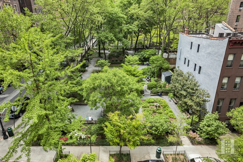 333 East 43rd Street, Midtown East, NYC, 10017, $475,000, Sold Property, Halstead Real Estate, Photo 4