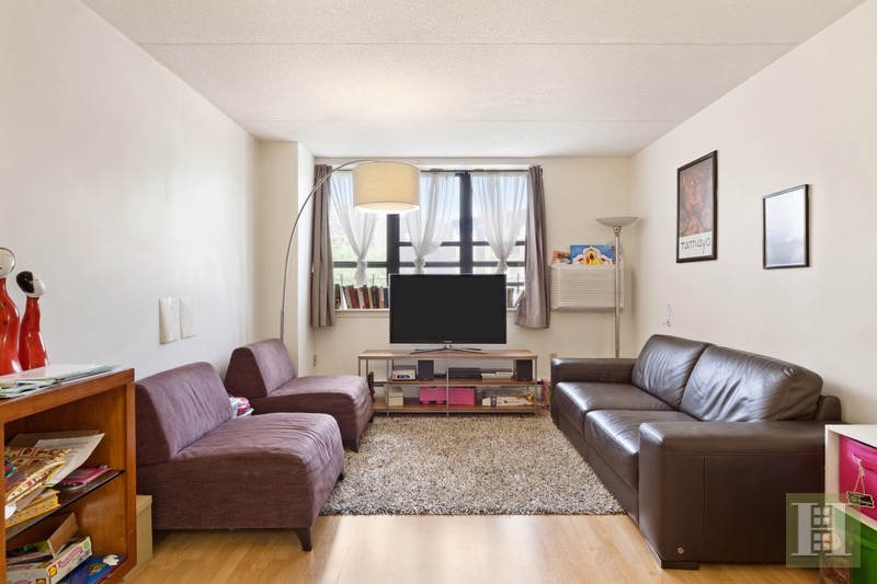 301 West 110th Street 3a, Upper West Side, NYC, 10026, $619,000, Sold Property, Halstead Real Estate, Photo 3