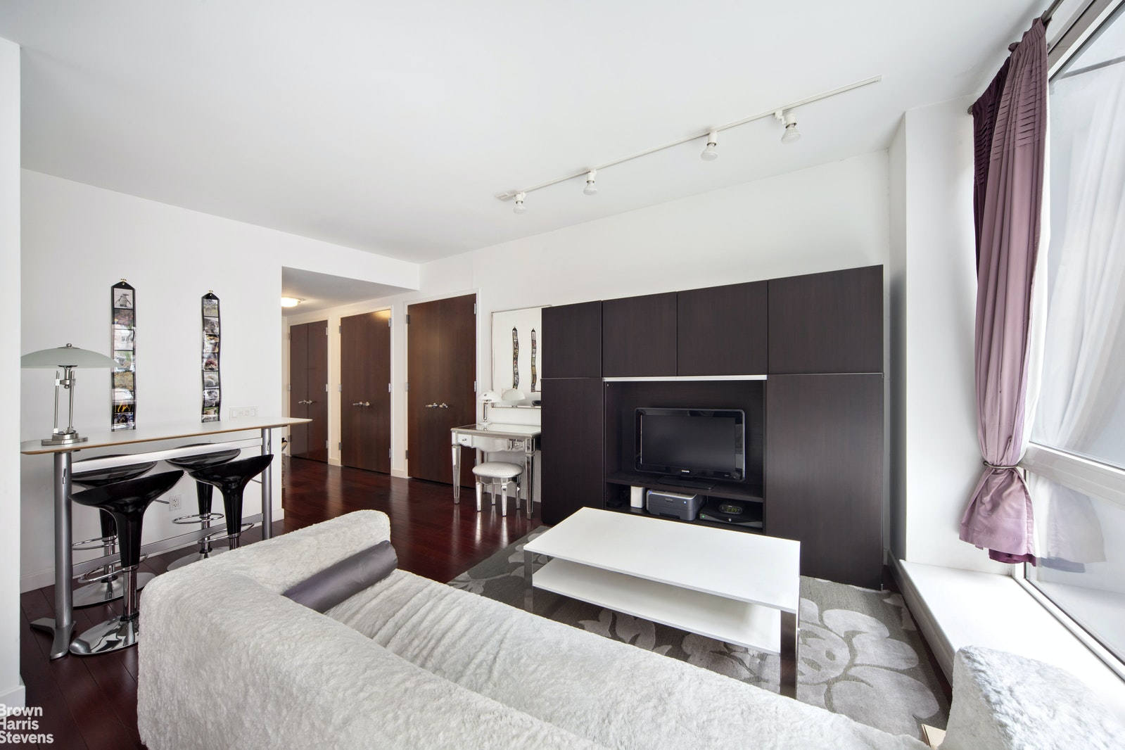 125 West 21st Street 8C, Chelsea, NYC, $939,000, Web #: 16734738