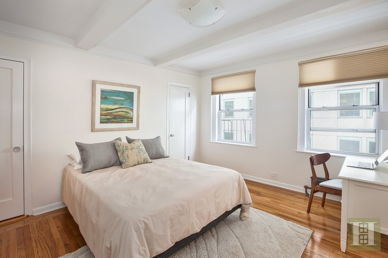 333 East 43rd Street 716, Midtown East, NYC, 10017, $499,000, Sold Property, Halstead Real Estate, Photo 3