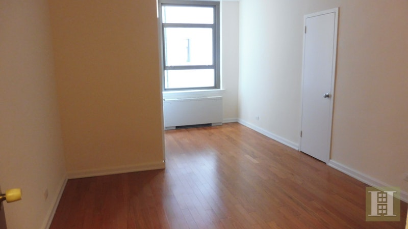 Park Avenue, Midtown East, NYC, $2,800, Web #: 16904679