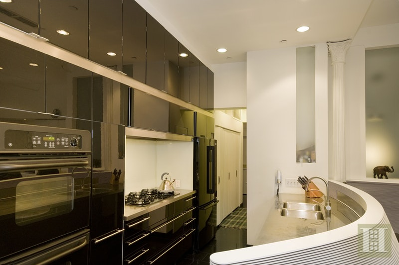 Dramatic Corner Mercer Street Loft, Soho, NYC, 10013, Price Not Disclosed, Rented Property, Halstead Real Estate, Photo 3
