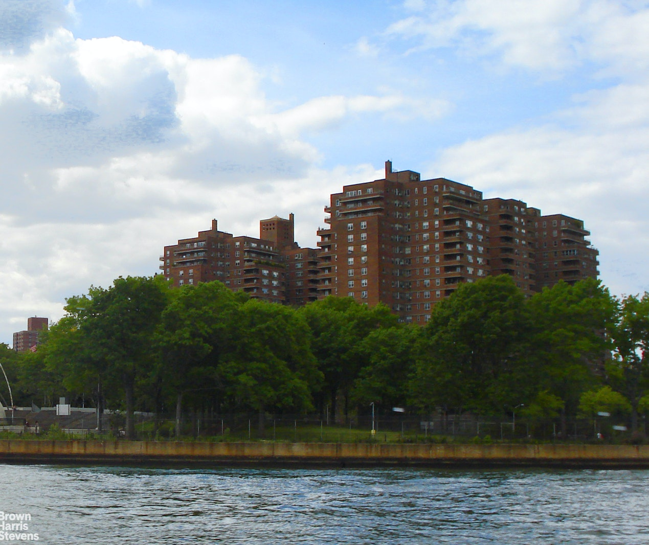 477 FDR Drive, Lower East Side, NYC, $3,000, Web #: 1699467