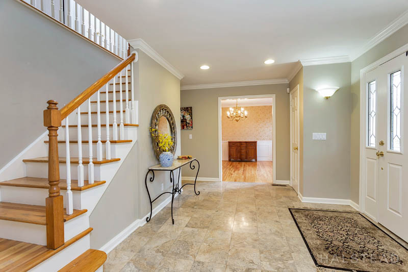 53 Country Club Road, Darien, Connecticut, 06820, $1,195,000, Property For Sale, Halstead Real Estate, Photo 2