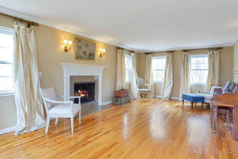 53 Country Club Road, Darien, Connecticut, 06820, $1,195,000, Property For Sale, Halstead Real Estate, Photo 4